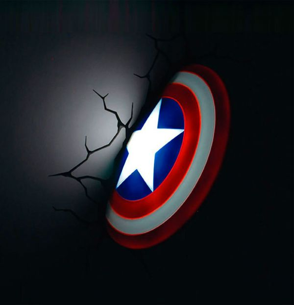 Lámpara de escudo Capitán América incrustado en la pared